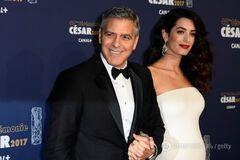 Амаль Клуні вперше вийшла в світ після офіційного підтвердження вагітності