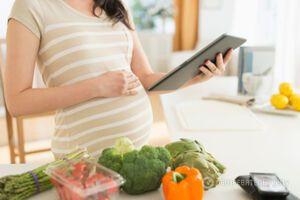 Піст та вагітність: що потрібно знати майбутній мамі