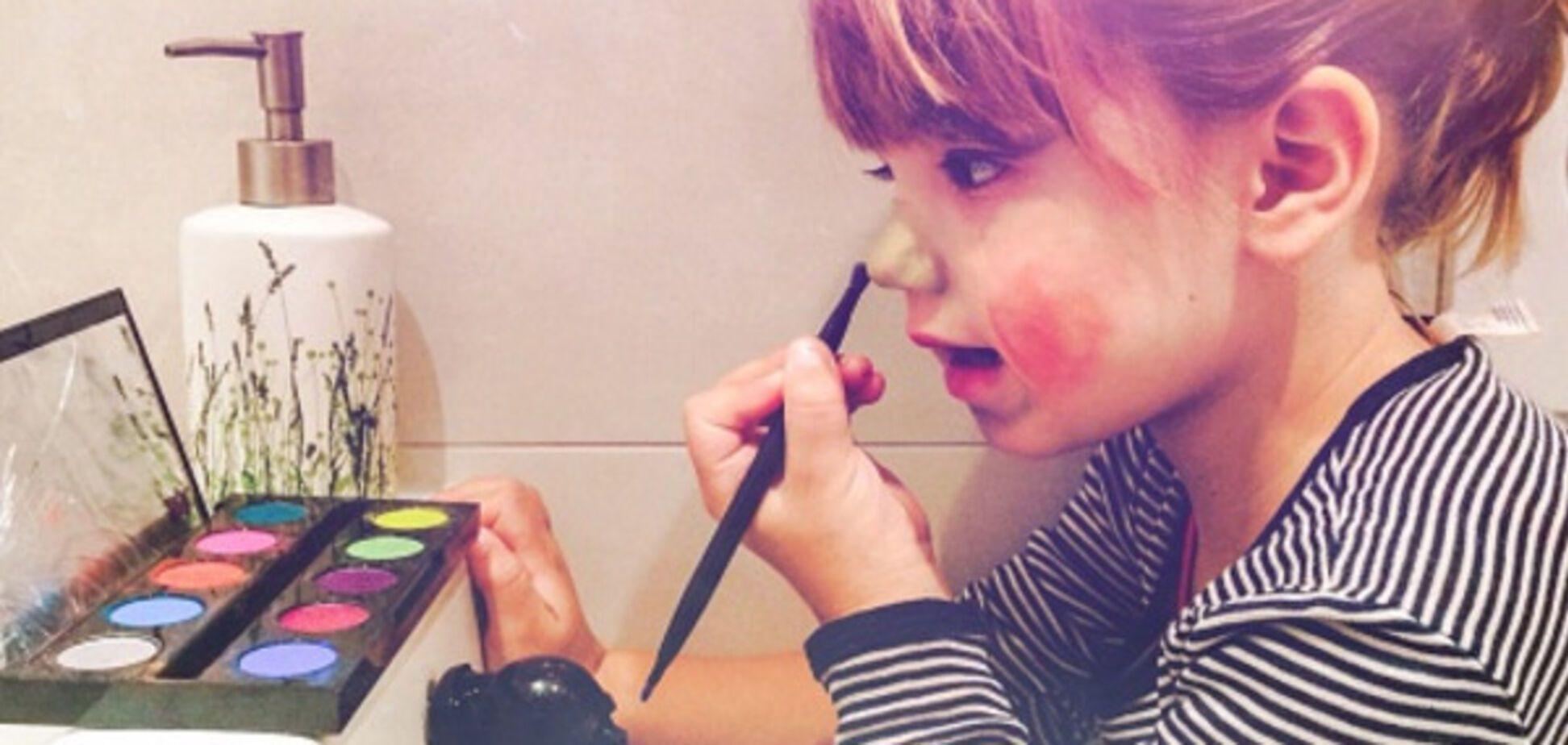 Как малыша превратили в девочку: опубликовано забавное видео