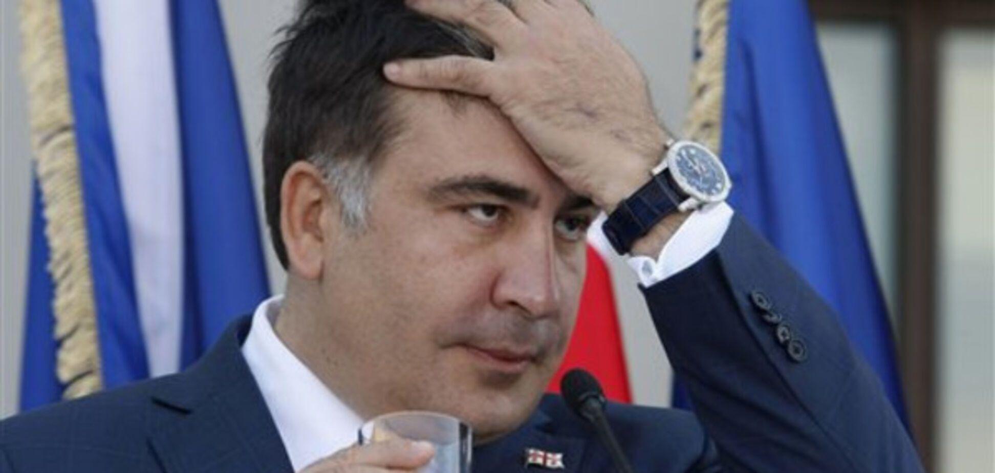 Михеил Саакашвили - 'реформатор', кат с веником или уголовник