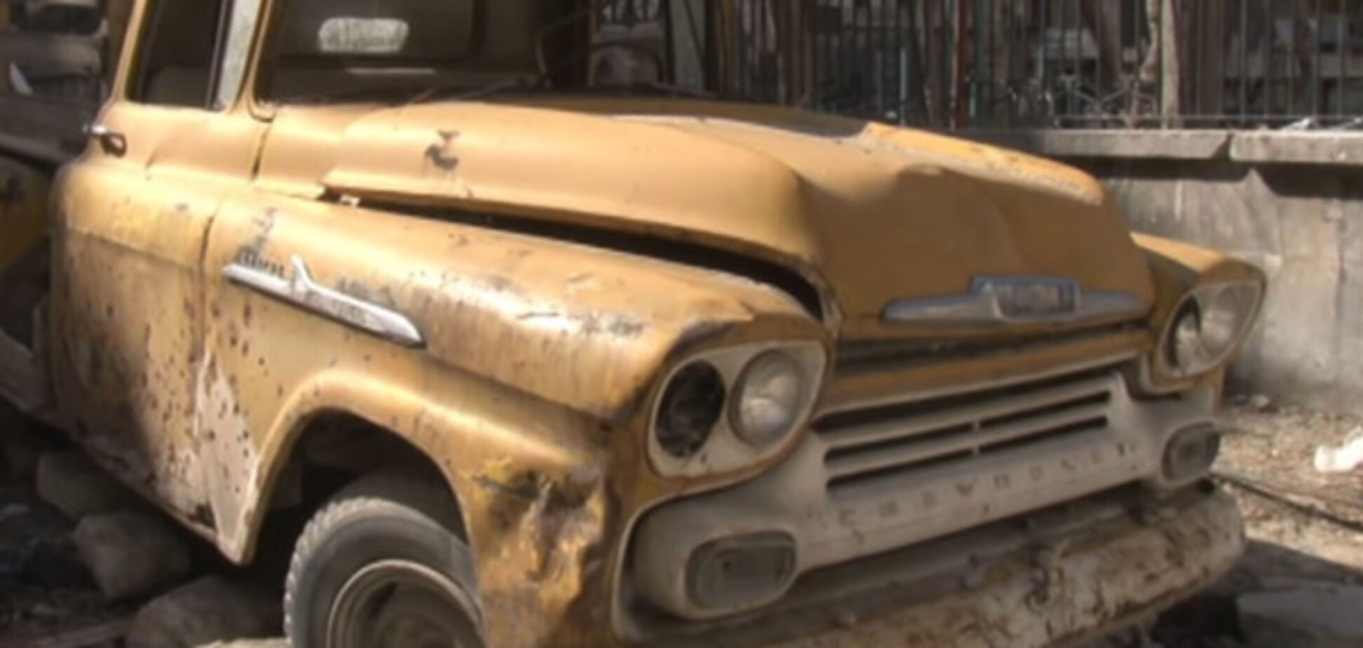 Война в Алеппо уничтожила уникальную коллекцию ретро-автомобилей