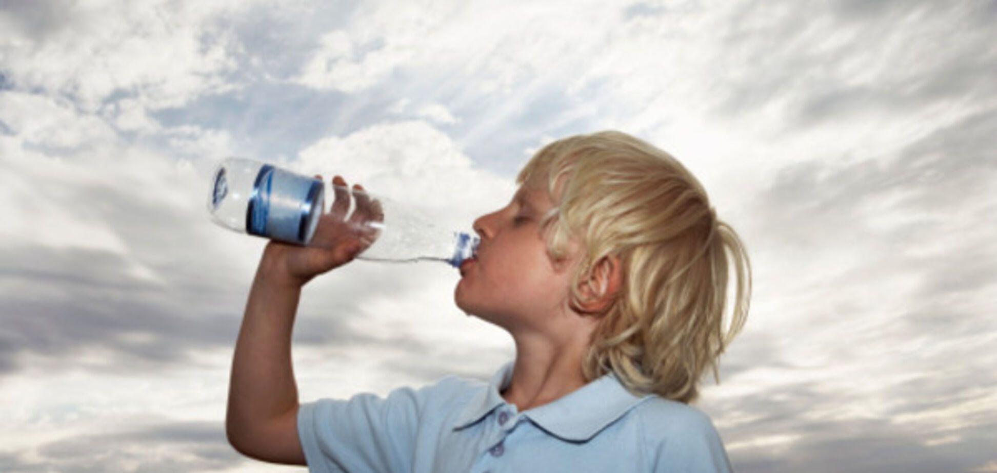 Доктор Комаровский рассказал, влияет ли на здоровье ребенка отсутствие воды в его рационе