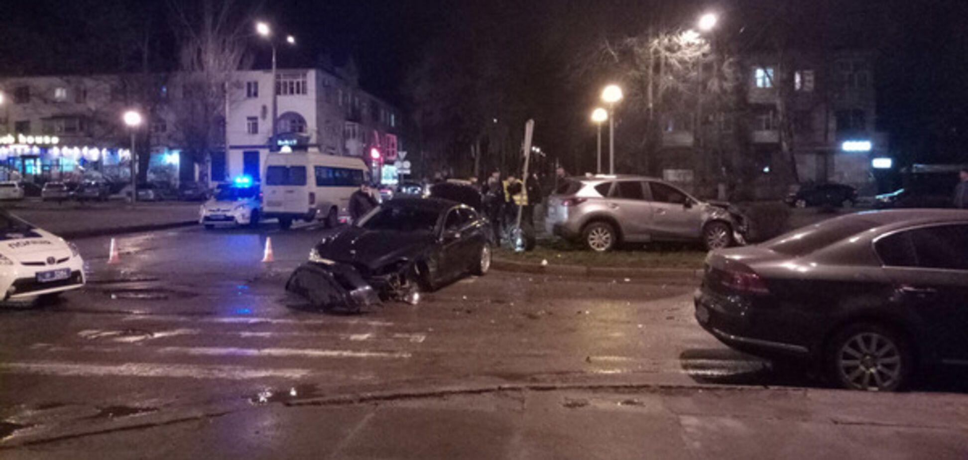 В центре Запорожья произошла авария с участием элитных авто (ВИДЕО)