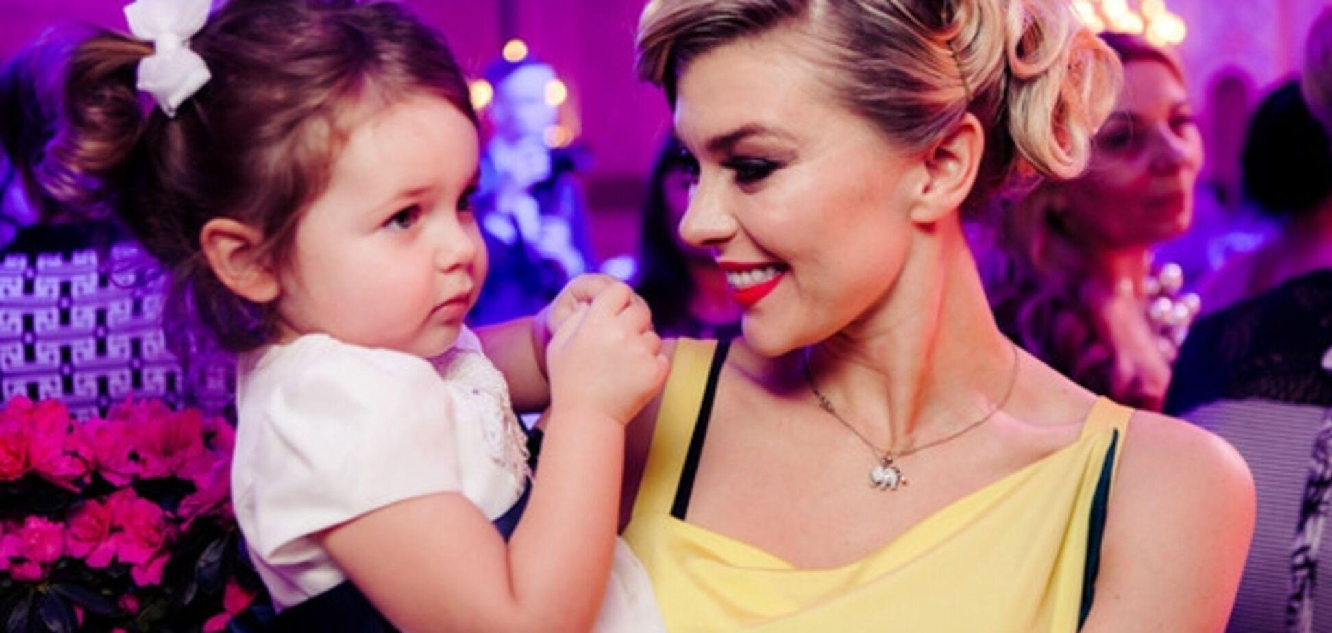 Крошечная внучка Блохина стала звездой вечеринки в Киеве: опубликованы фото