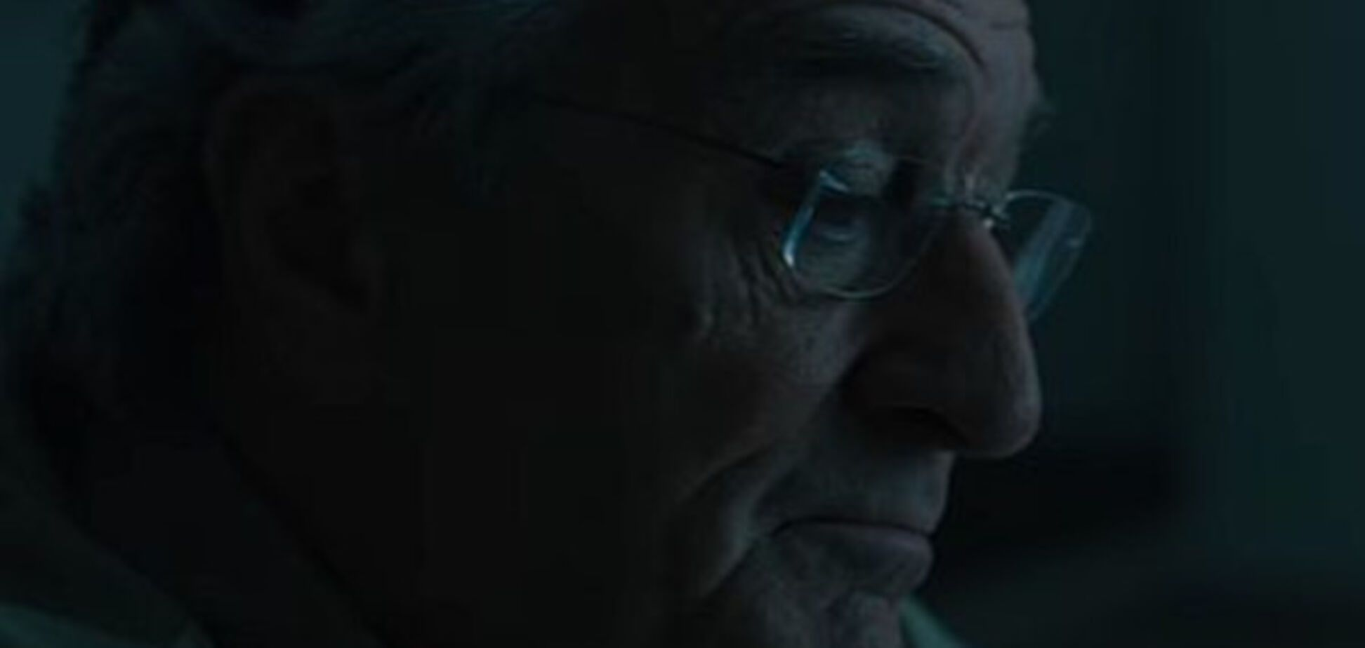 Эмилия Кларк в готическом ужастике и Де Ниро в роли злого гения: главные трейлеры недели