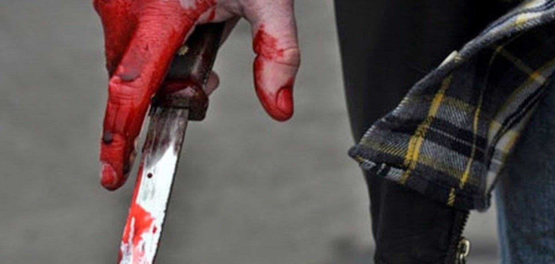 В области неизвестные набросились с ножом на парня