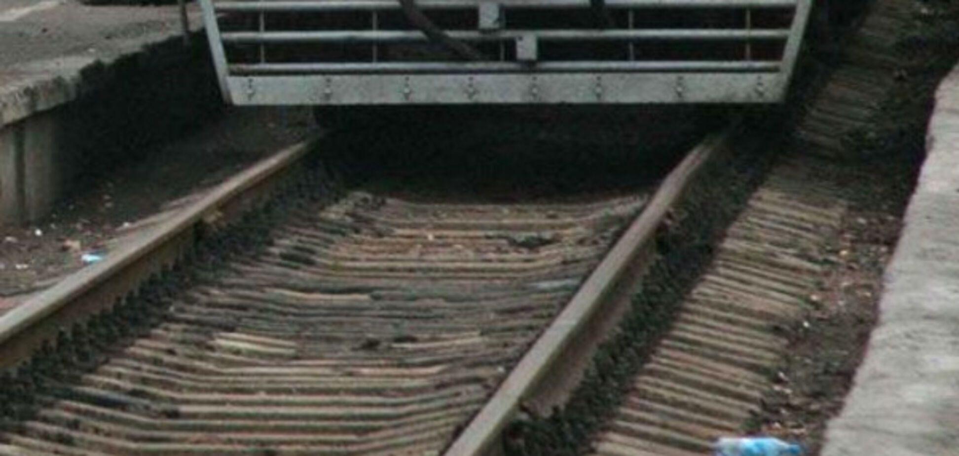 В области мужчина выжил после попадания под поезд, но скончался в реанимации