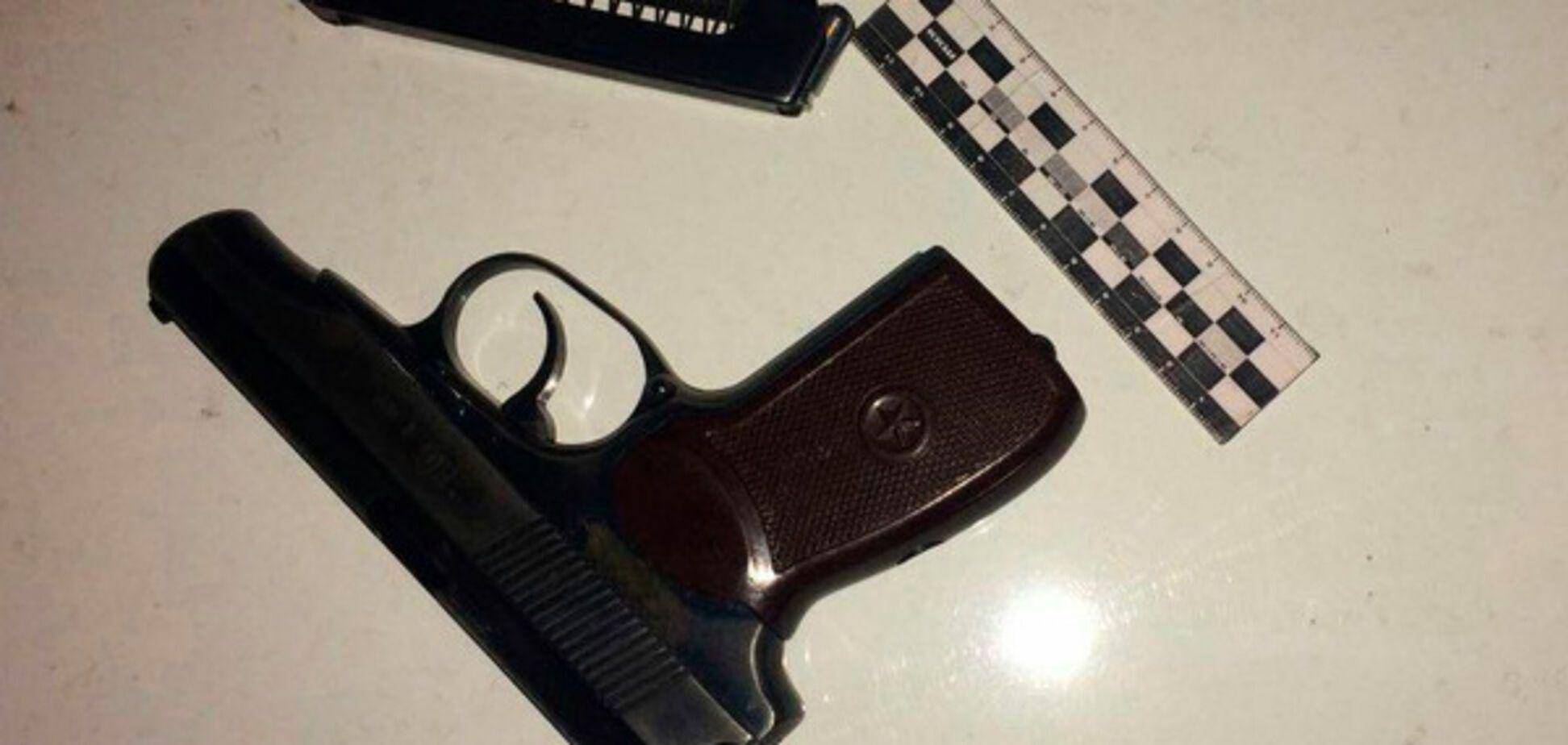 В Запорожье остановили машину с вооруженными до зубов пассажирами (ФОТО)