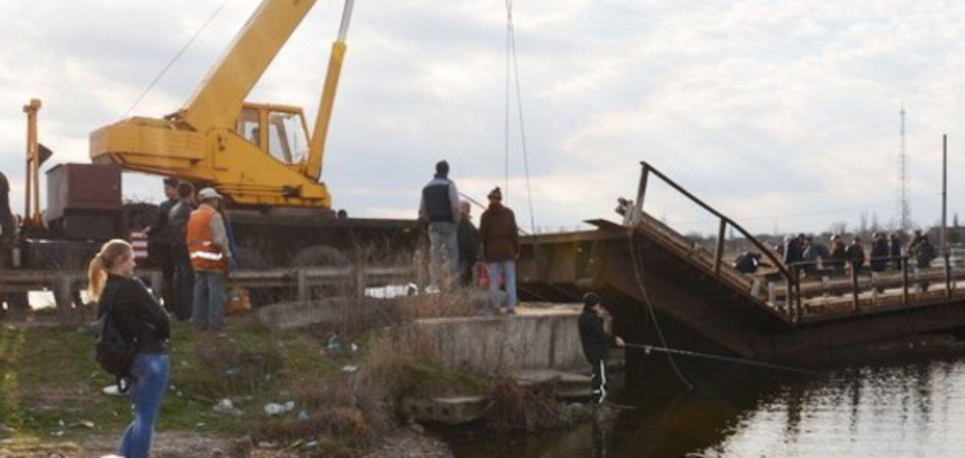 под Николаевом утонул мост
