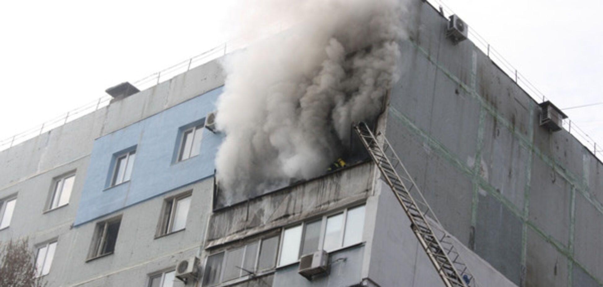 В запорожской многоэтажке случился крупный пожар (ФОТО)
