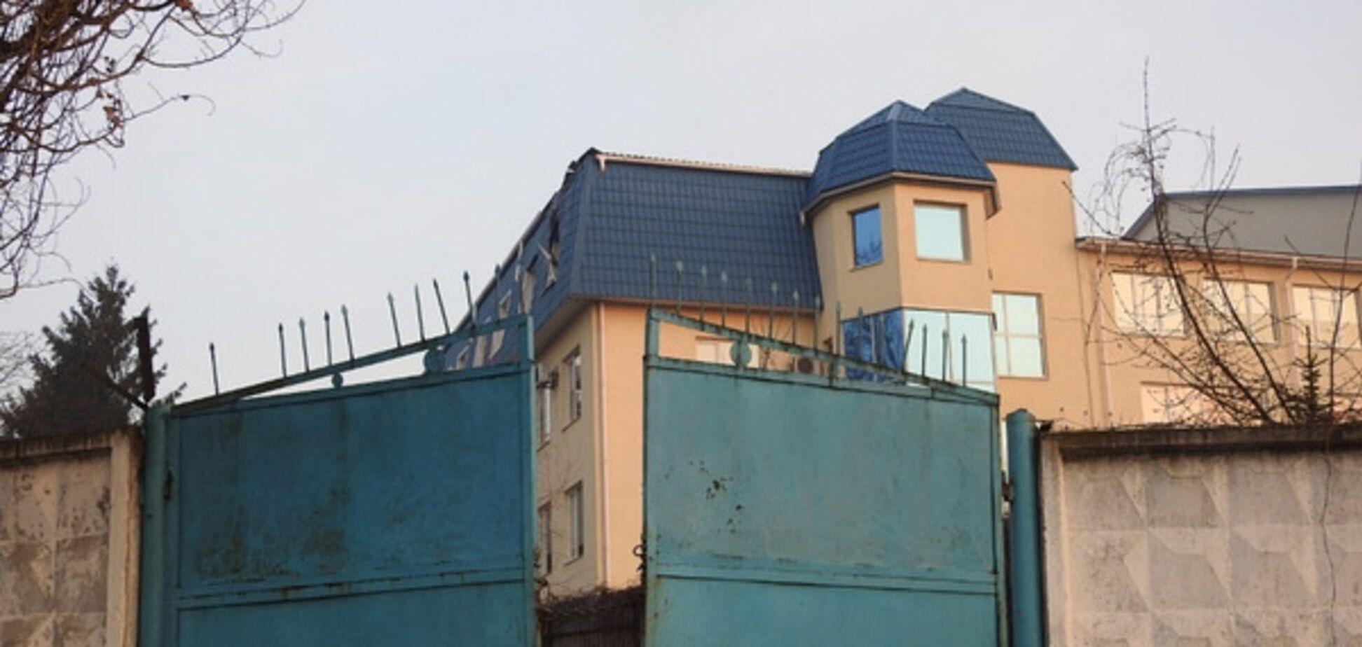 У Луцьку обстріляли консульство Польщі