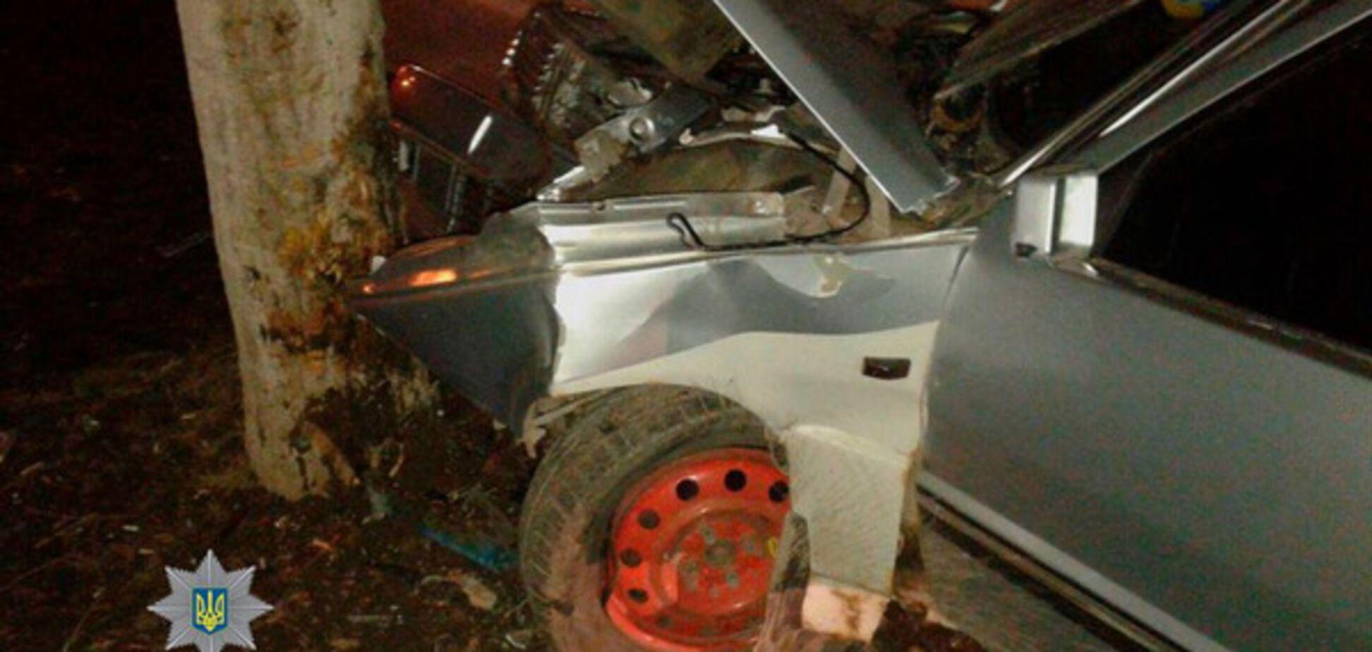 Родился в рубашке: в Запорожье пьяный водитель разбил машину, но сам остался невредим (ФОТО)