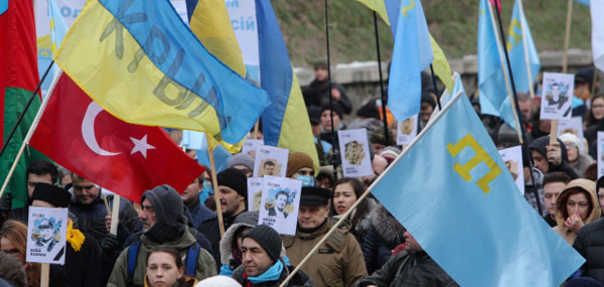 КРИМський бандеровець: Крим - надто важкий камінь на шиї потопельника