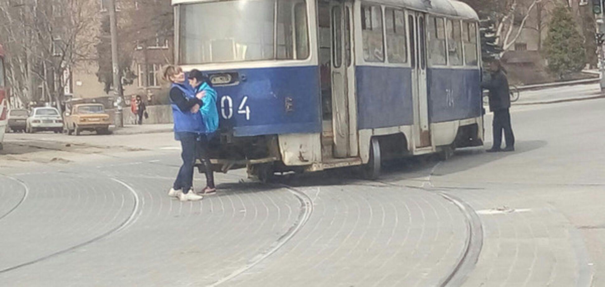 С запорожским транспортом произошел очередной форс-мажор (ВИДЕО)