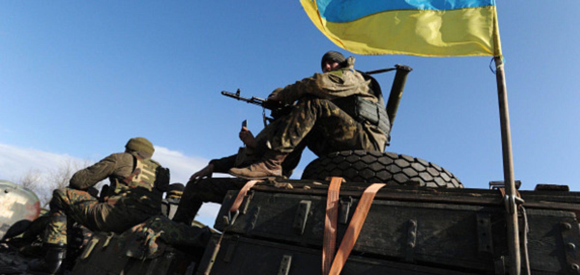 Работают танки, БМП и снайперы: штаб АТО доложил об ухудшении обстановки на Донбассе