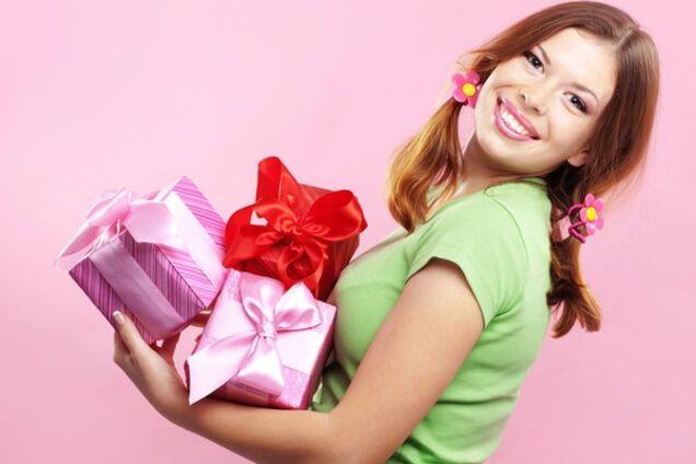 Подбираем хороший подарок женщине