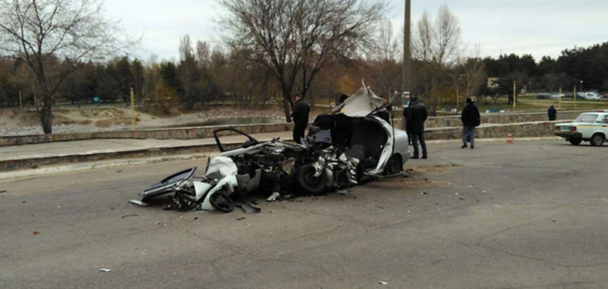 Жуткое ДТП в области: легковушка врезалась в грузовик, есть жертвы (ФОТО)