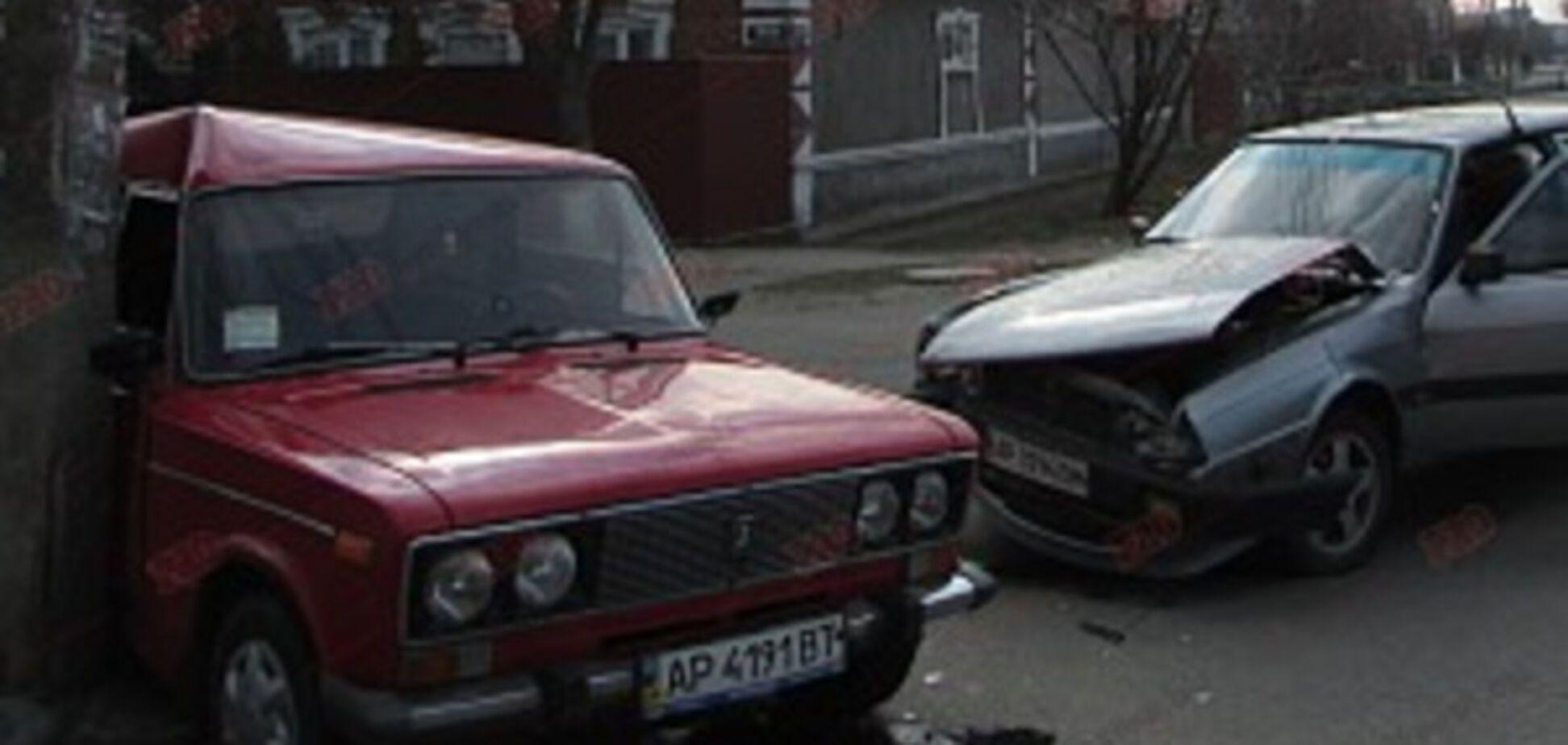 В Запорожской области пострадавшую в ДТП пришлось освобождать из раскуроченного авто (ВИДЕО, ФОТО)
