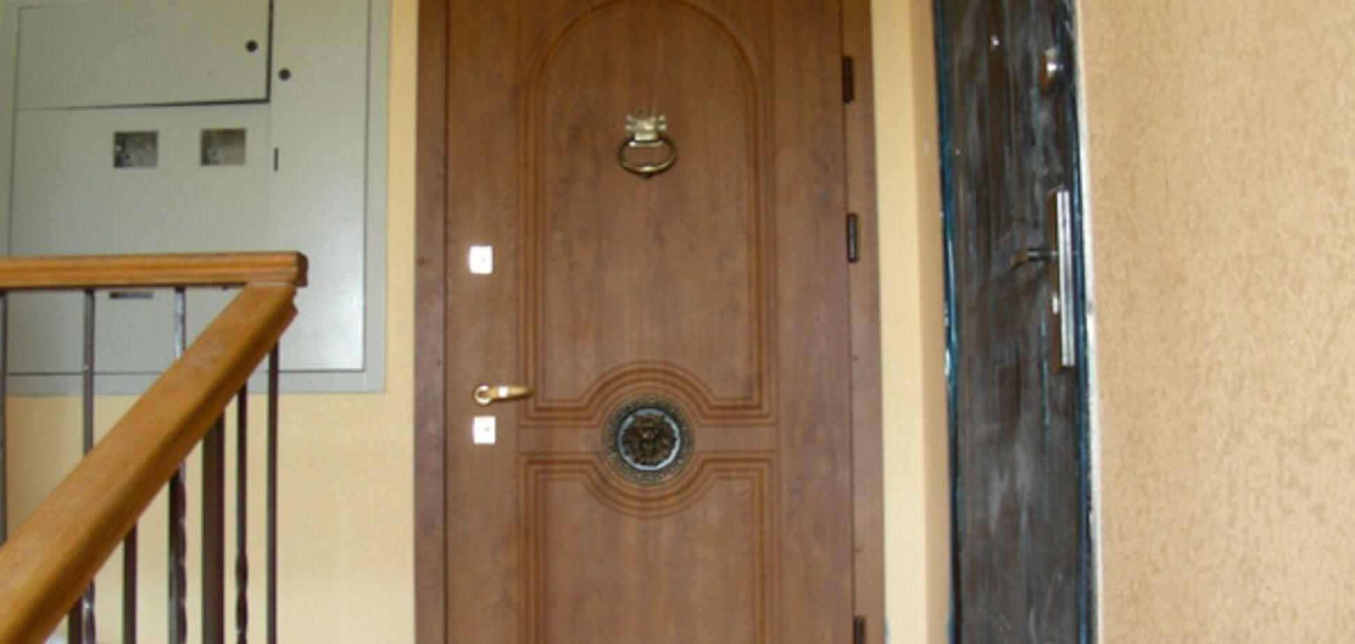 В Запорожье ребенок оказался в плену в собственной квартире