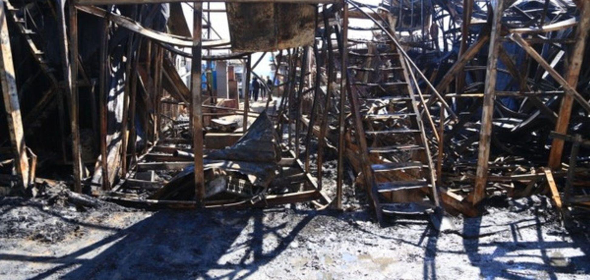 Последствия пожара на причале в Одессе