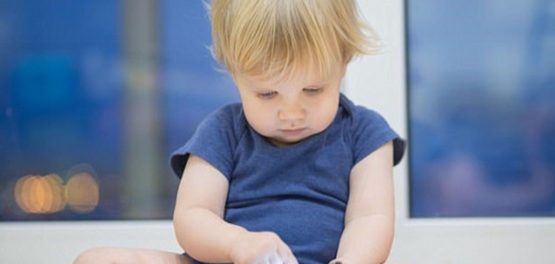 Ученые выяснили, как использование планшета влияет на сон ребенка