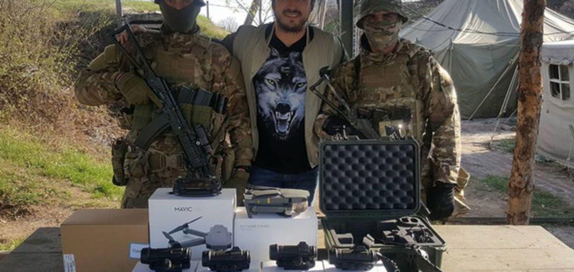 Сергей Притула с бойцами АТО