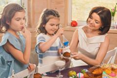 Светлый праздник: как звездные мамы праздновали Пасху