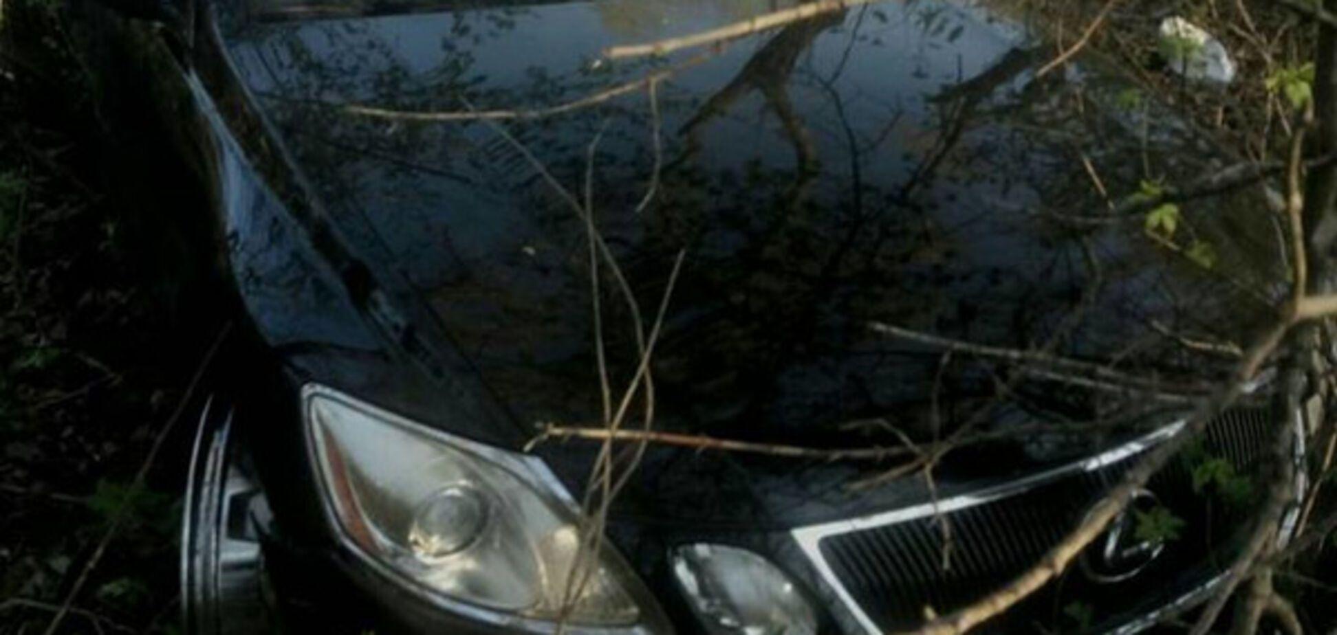 Цена роскоши: запорожец получил удар ножом в живот и лишился шикарного авто (ФОТО)