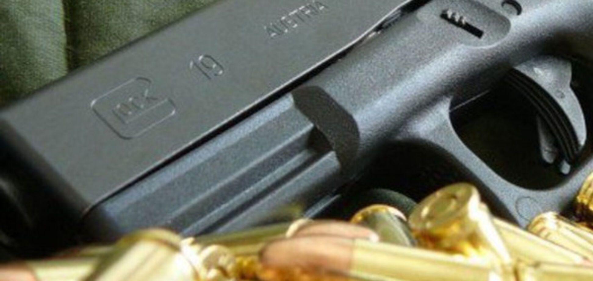 Стрельба на Закарпатье: детский тренер в реанимации, а преступника отпускают под залог