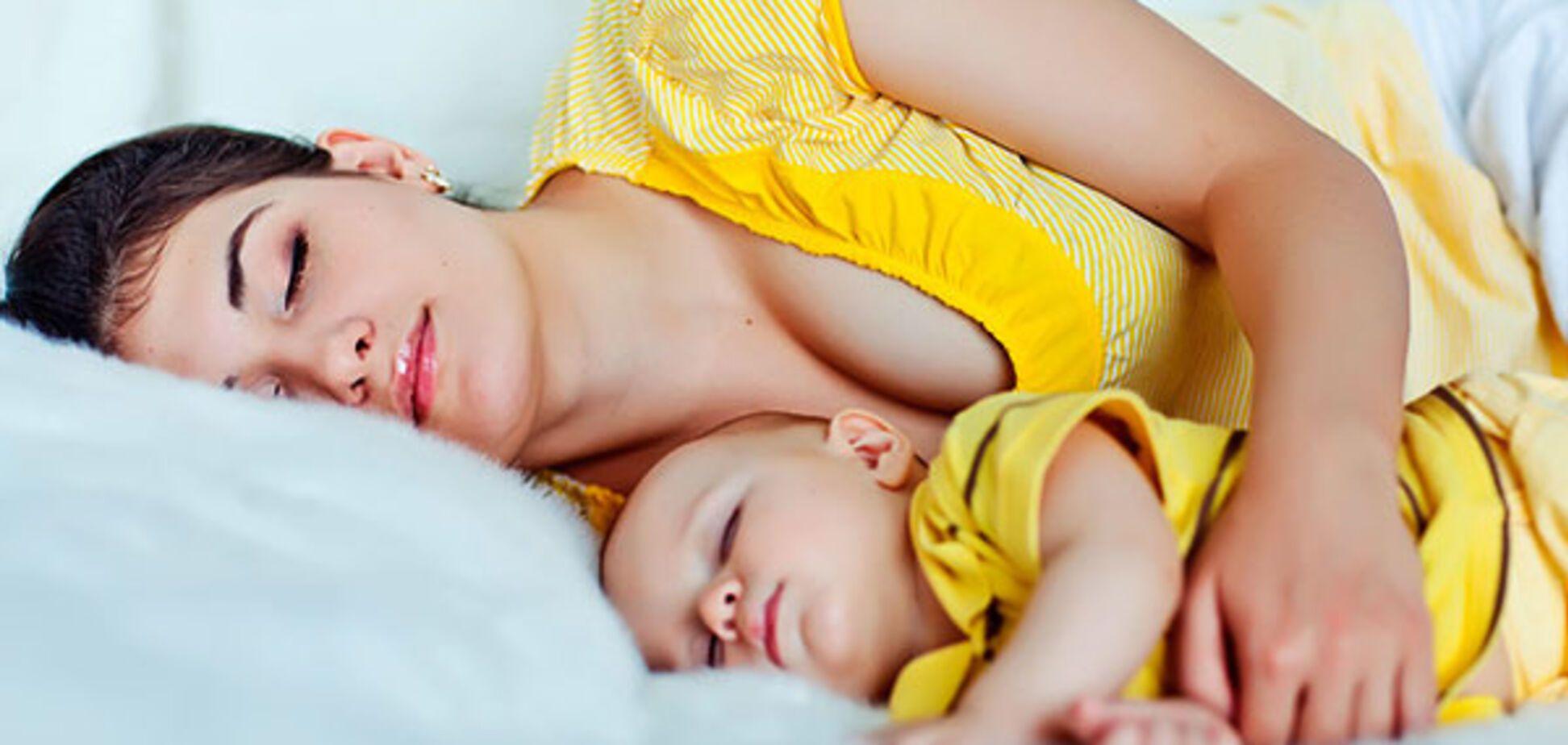 Совместный сон: как отучить малыша спать с родителями