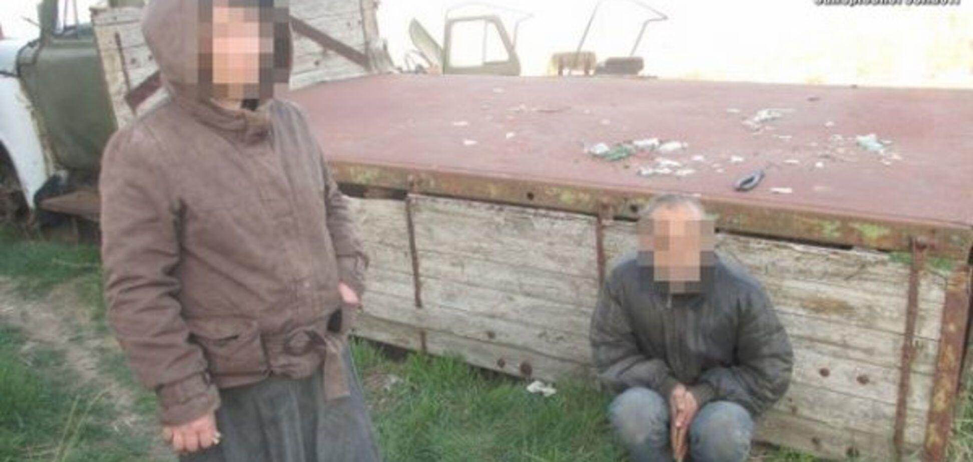 Мелитопольский коллекционер: в области фермер удерживал семейную пару в заброшенном ангаре (ФОТО)