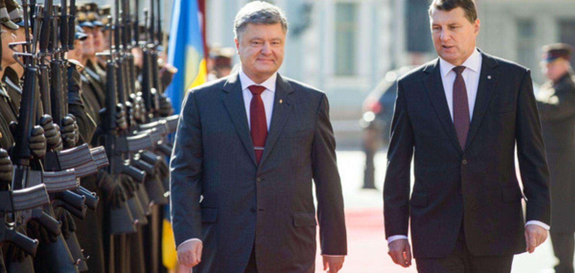 Петр Порошенко и Раймондс Вейонис