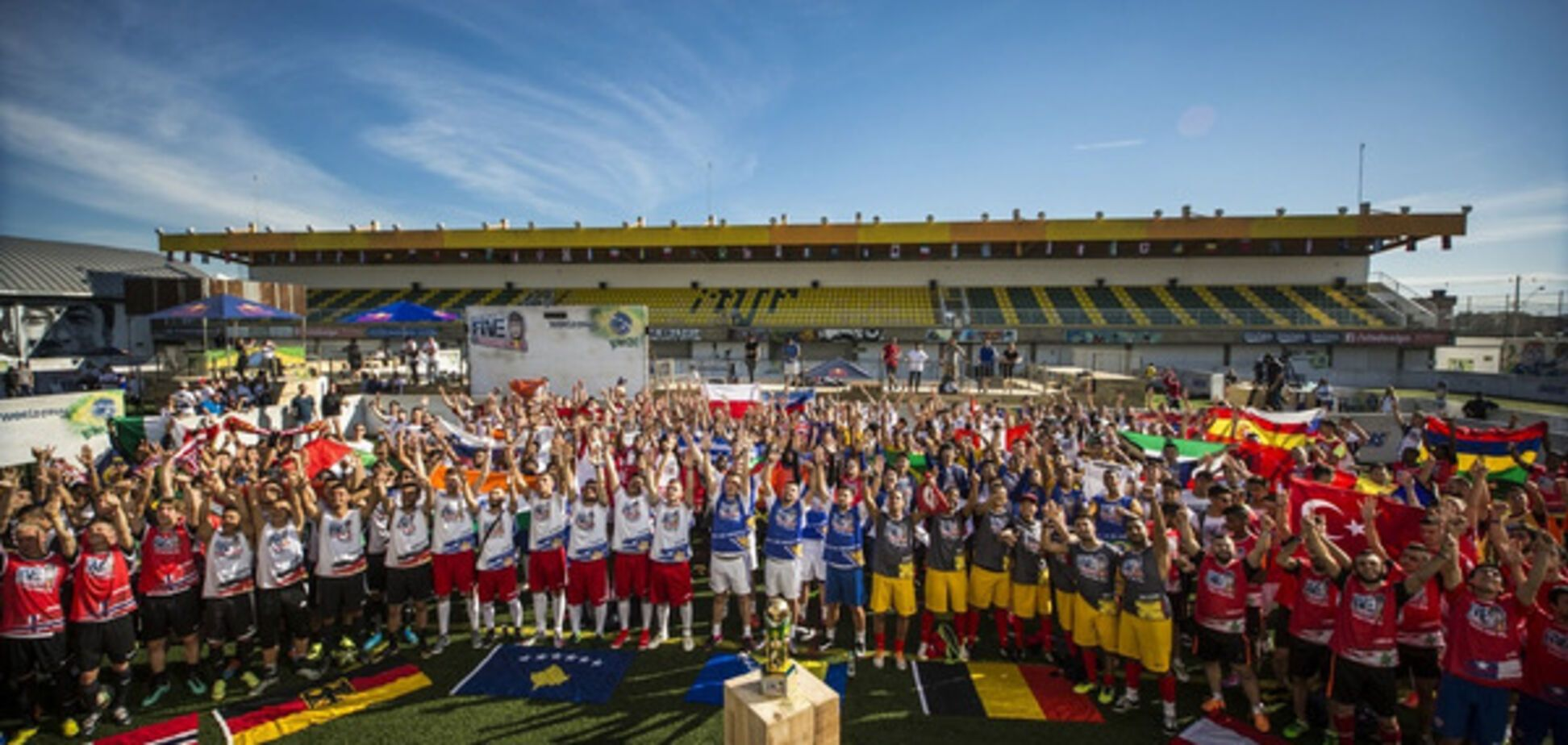 Неймар приглашает украинцев принимать участие  в уникальном международном футбольном турнире Neymar Jr's Five