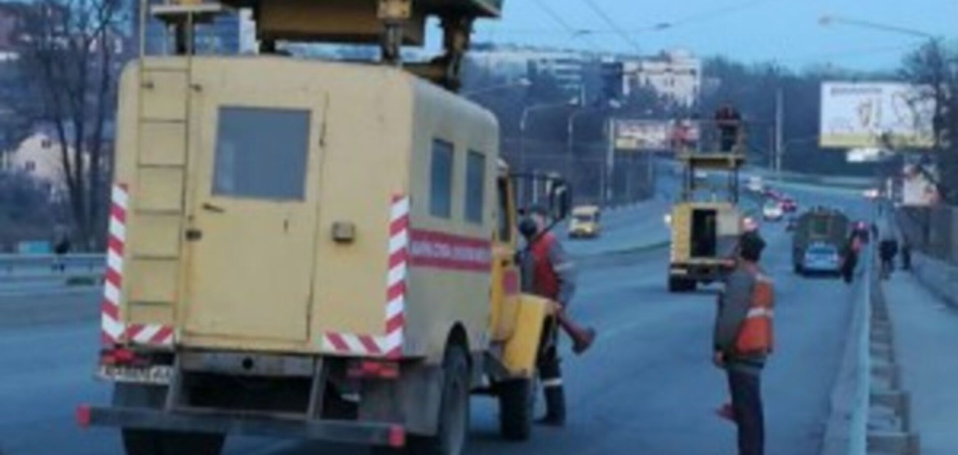 Очередное ДТП на запорожской дамбе: есть пострадавшие (ФОТО)