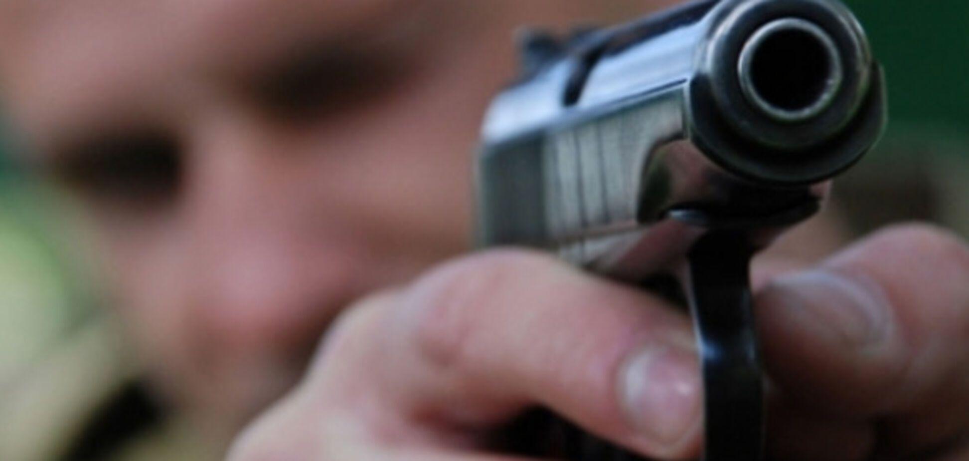 В спальном районе Запорожья горожанин устроил стрельбу посреди улицы