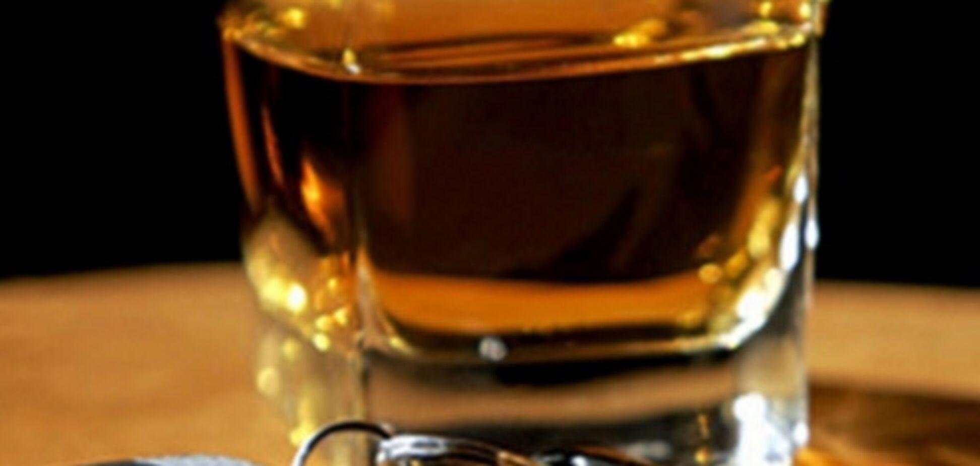В Запорожье пьяный мужчина совершил 'крутое пике' (ФОТО)