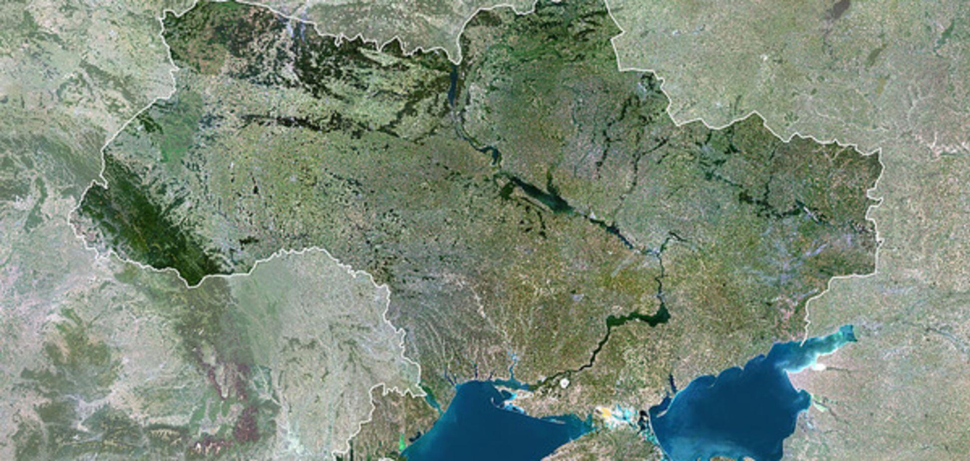 Контури України зі супутника
