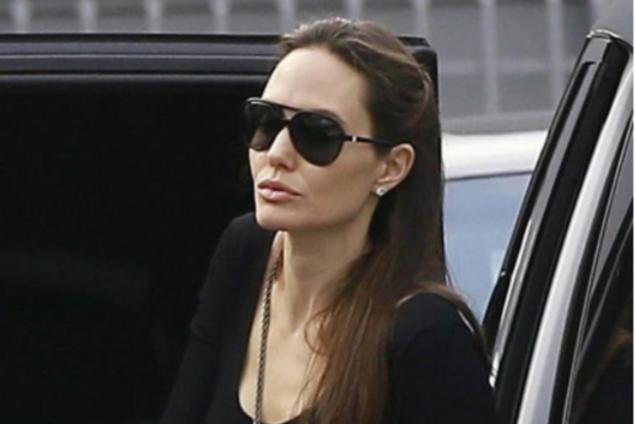 Анджелина Джоли сводила детей к дедушке: опубликовано новое фото