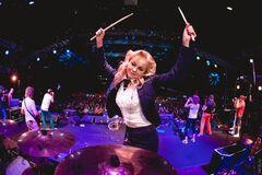 'Не лезьте, малыши': запутинскую 'певицу ртом' засмеяли за концерт в Киеве