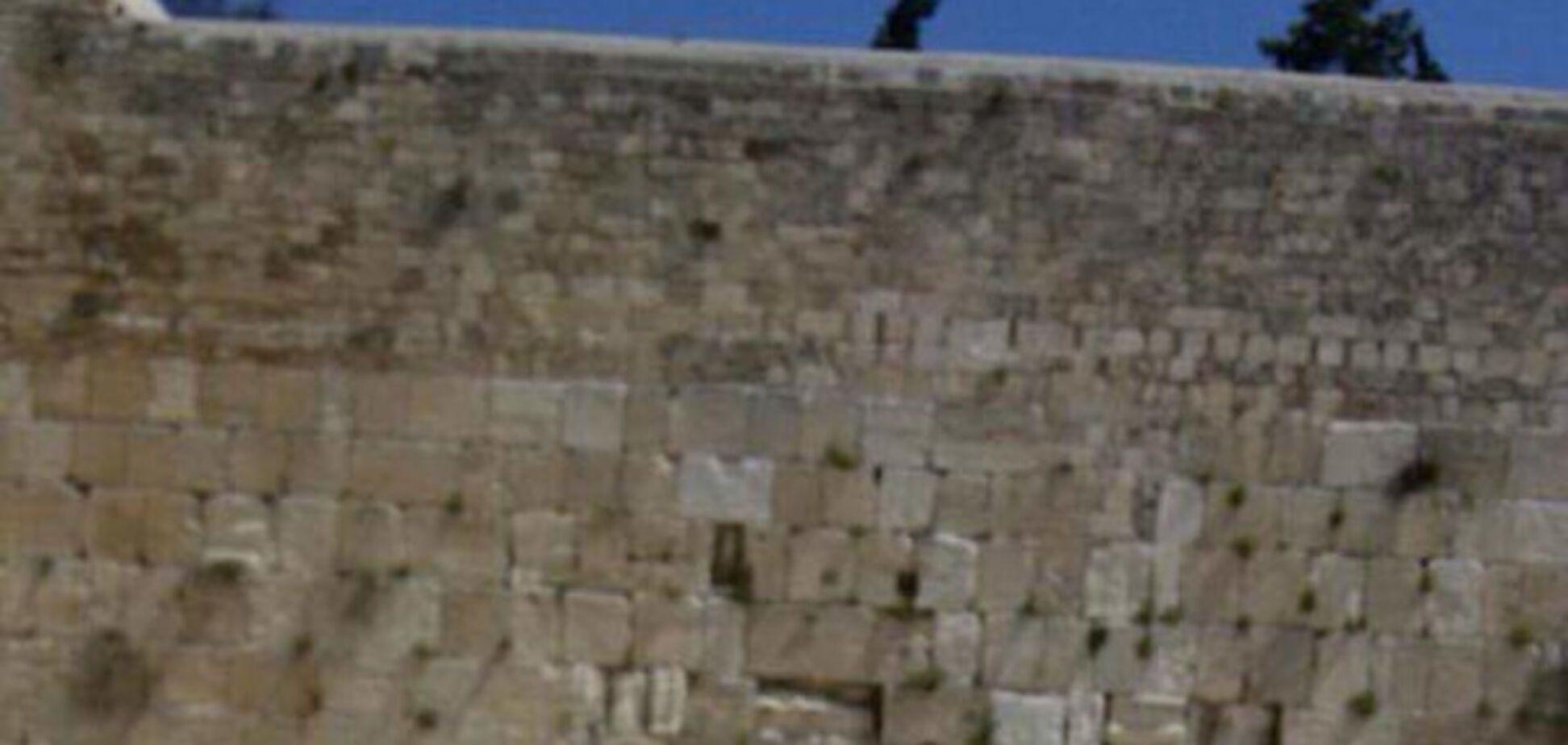 'Нехай х*йло доживе до Гааги': блогер розчулив запискою в Стіну плачу