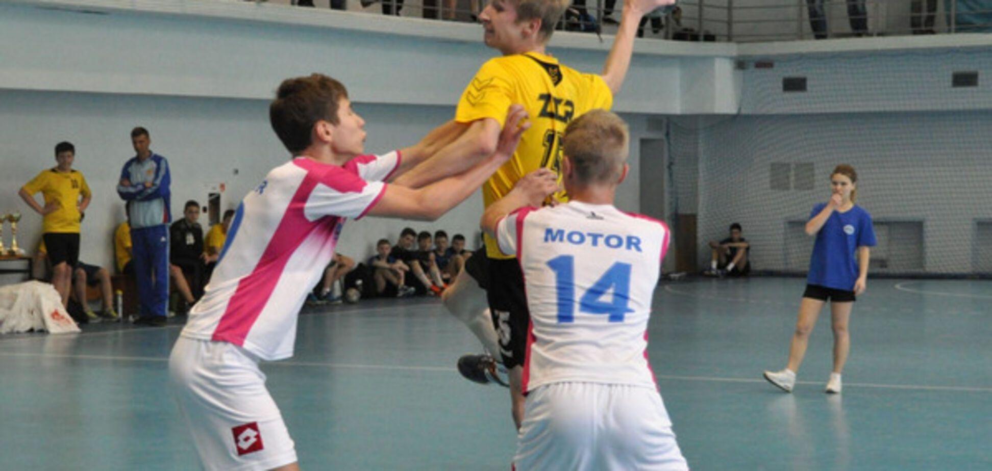 Запорожцы триумфовали на международном юношеском гандбольном турнире