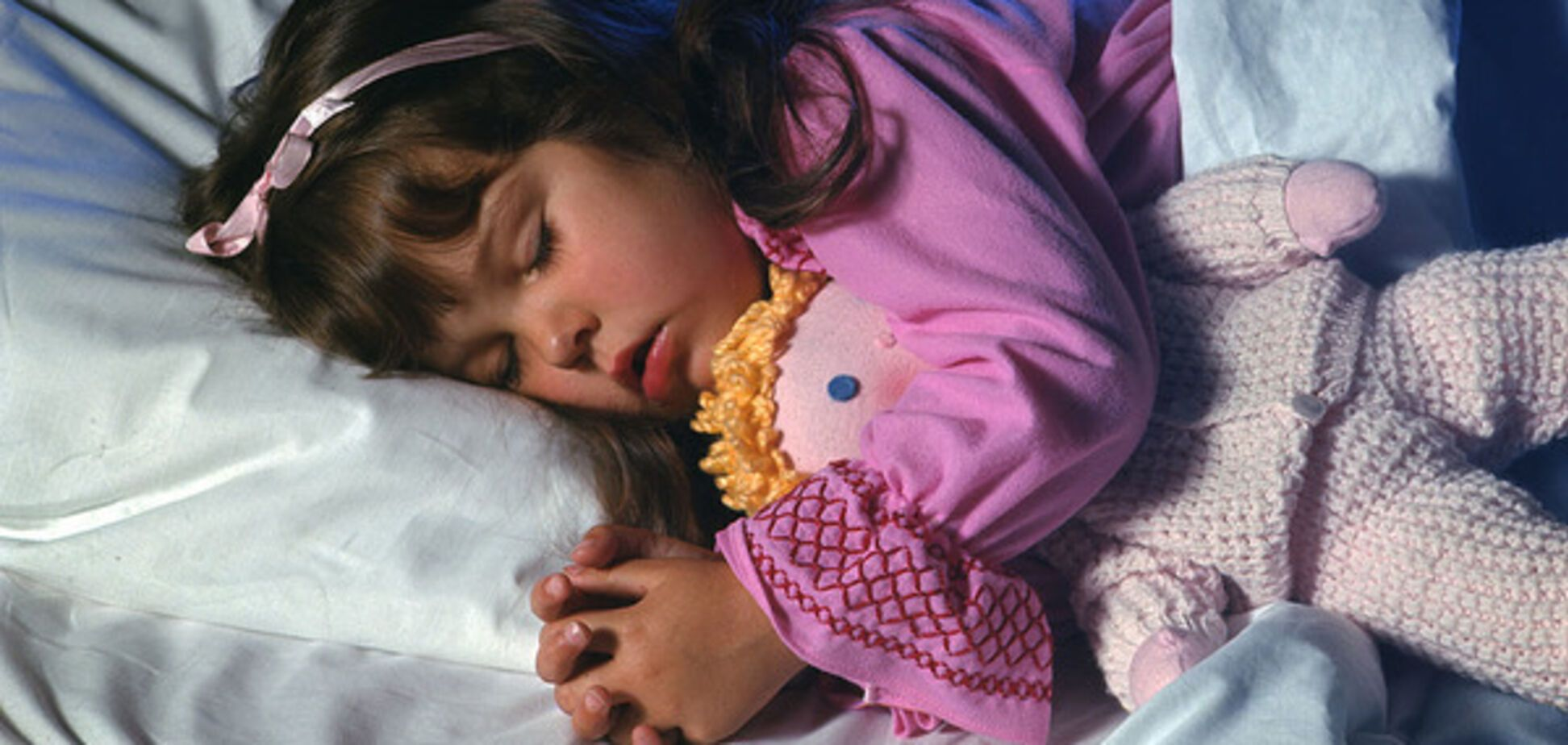 Ученые назвали лучший способ установить правильный режим сна у ребенка