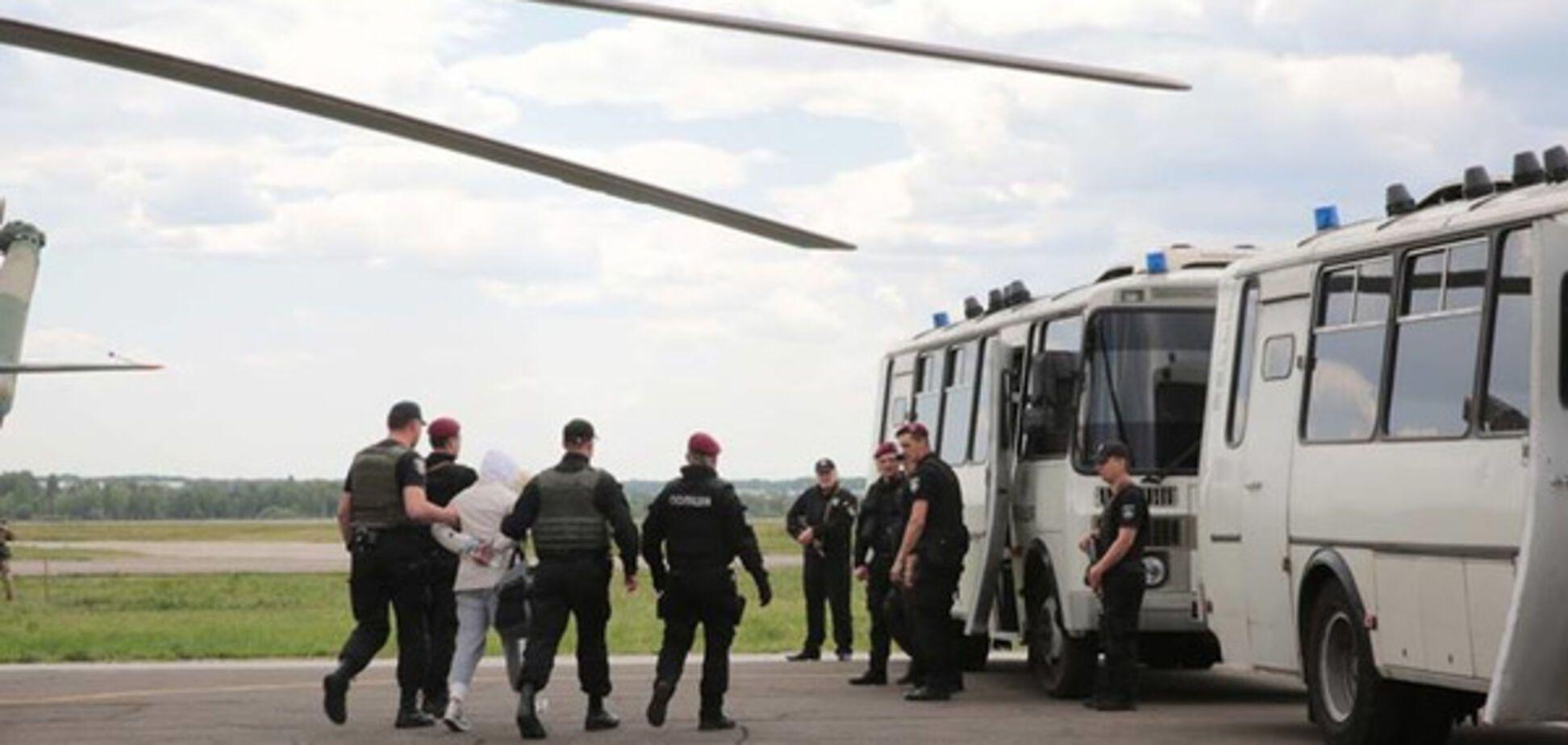 'Люди бежали и давали любые деньги': в МВД раскрыли детали масштабной спецоперации
