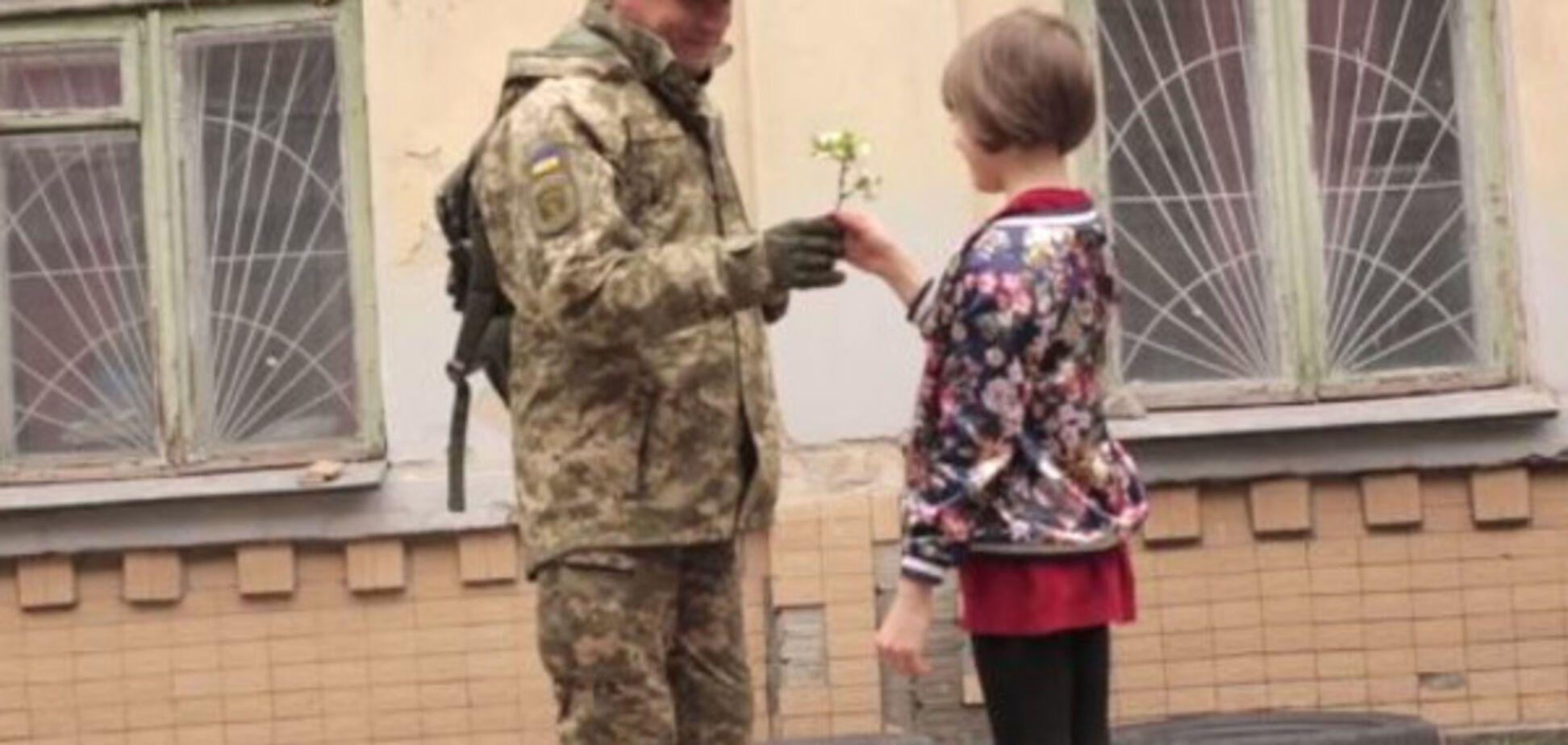 Падчерица нардепа Лещенко спела в клипе у своего отца: опубликовано видео
