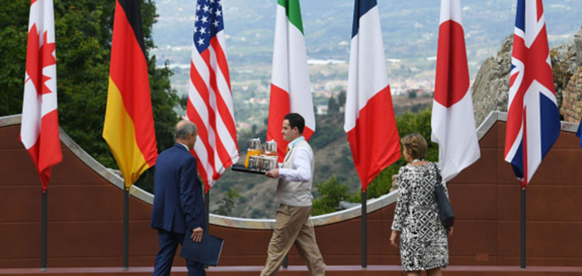 'Большая семерка' собирается в Италии: главные темы саммита