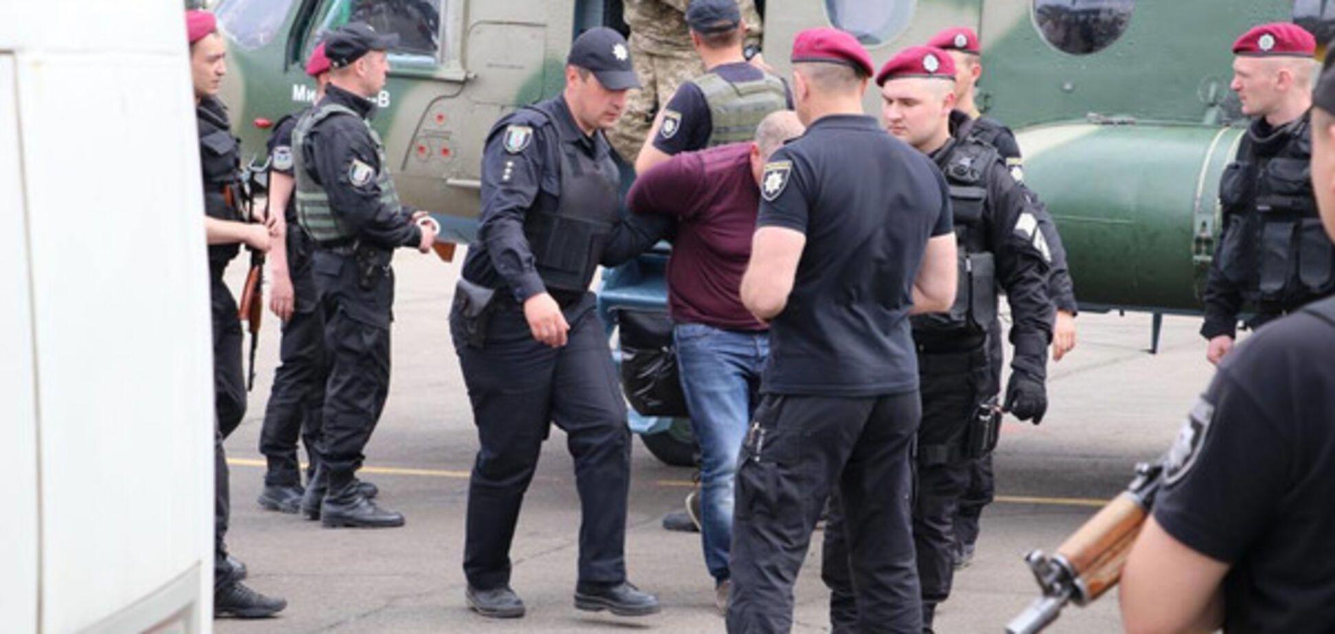 Спецоперация по налоговикам Януковича