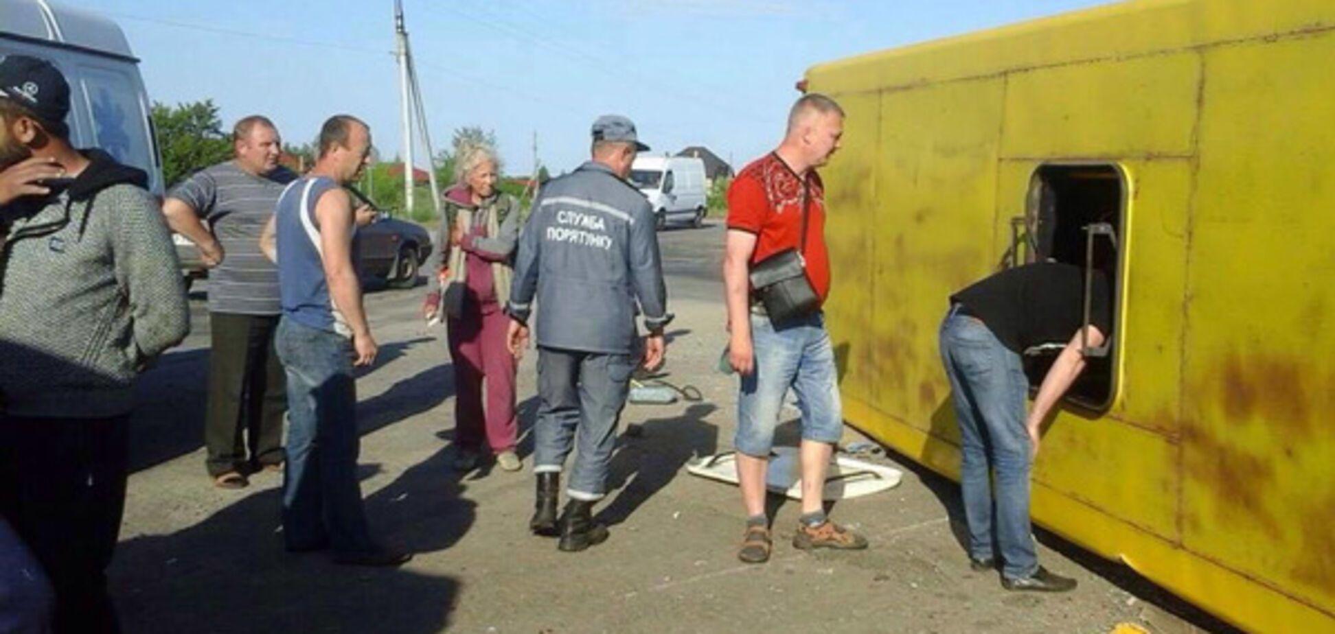 В Запорожской области произошло масштабное ДТП с десятками пострадавших: появились первые кадры