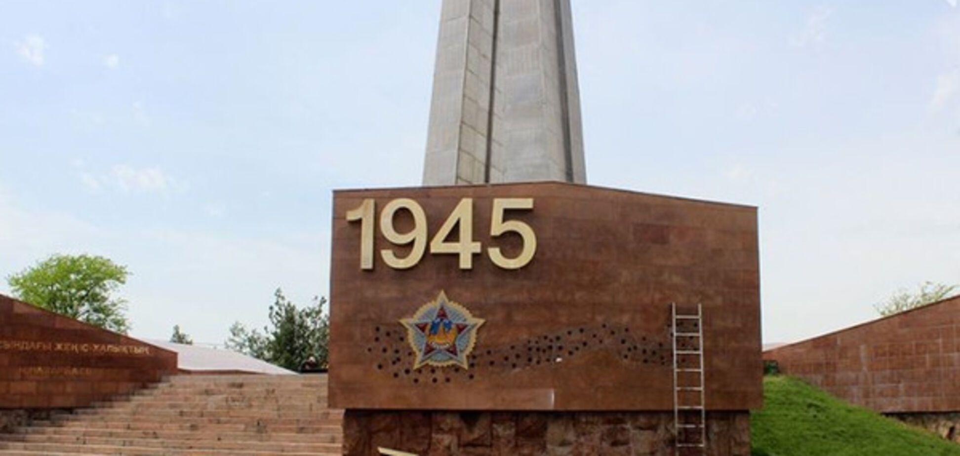У Казахстані почали позбавлятися від \'георгіївських стрічок\'
