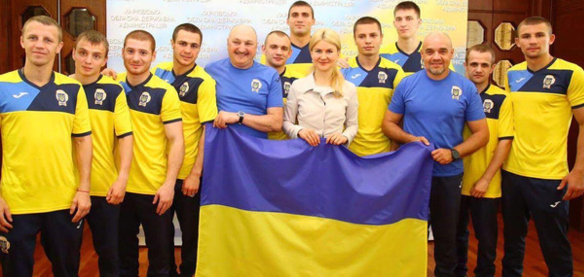 'Дома и стены помогают' – Светличная пожелала украинским боксерам достойно выступить в Харькове