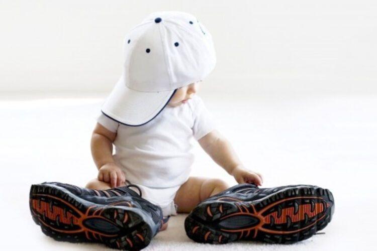 Як правильно вибрати взуття дитині  поради батькам - клуб мам новини ... c6508ffdafa99
